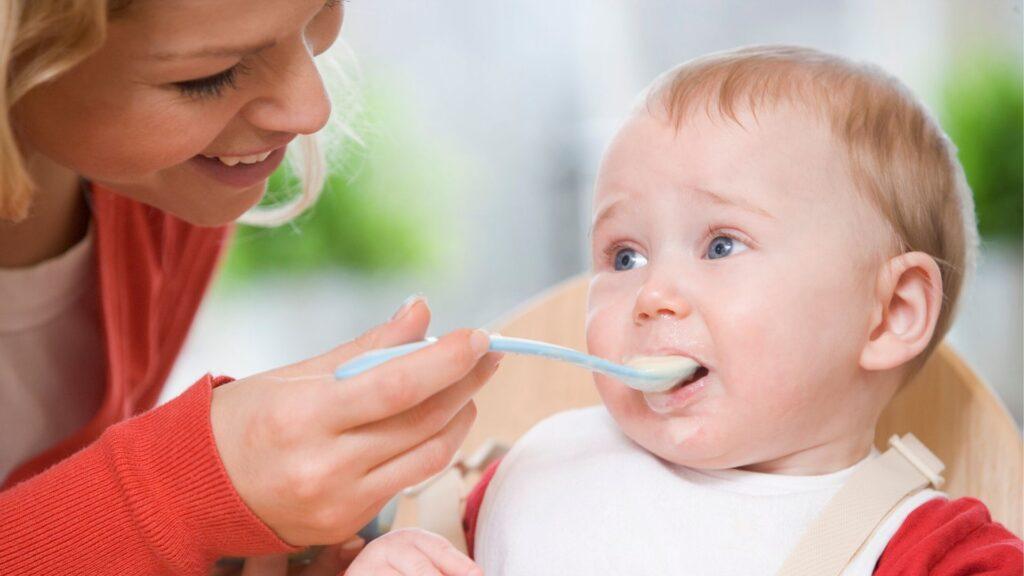 Małe dziecko nie chce jeść