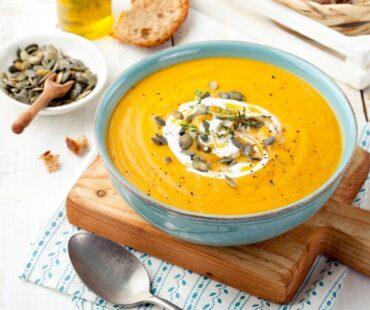 Zupa krem z dyni i soczewicy